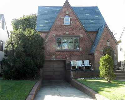 Oceanside Single Family Home For Sale: 28 E Atlantic Ave