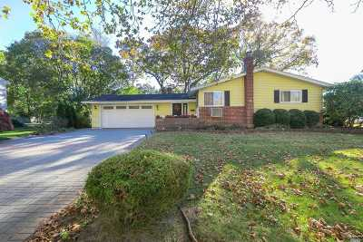 Dix Hills Single Family Home For Sale: 21 Pine Hill Ln