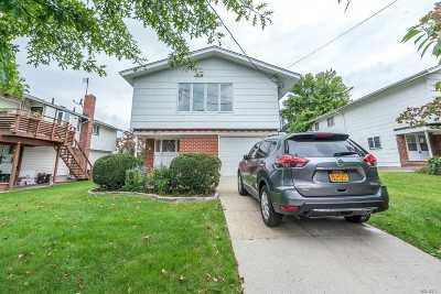 Douglaston Single Family Home For Sale: 233-19 41 Ave