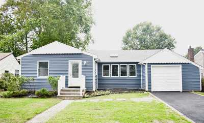 Wantagh Single Family Home For Sale: 3682 Manchester Rd