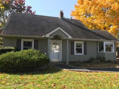 Levittown Single Family Home For Sale: 62 Shelter Ln