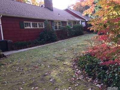 Huntington Single Family Home For Sale: 44 Bunkerhill Dr