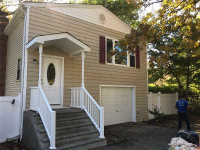 Selden Single Family Home For Sale: 70 Cedarhurst Ave