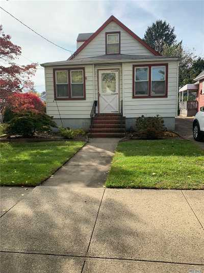 Floral Park Single Family Home For Sale: 85-28 263rd St