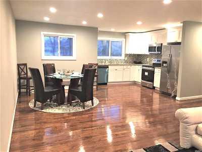 Selden Single Family Home For Sale: 110 Remington Ave