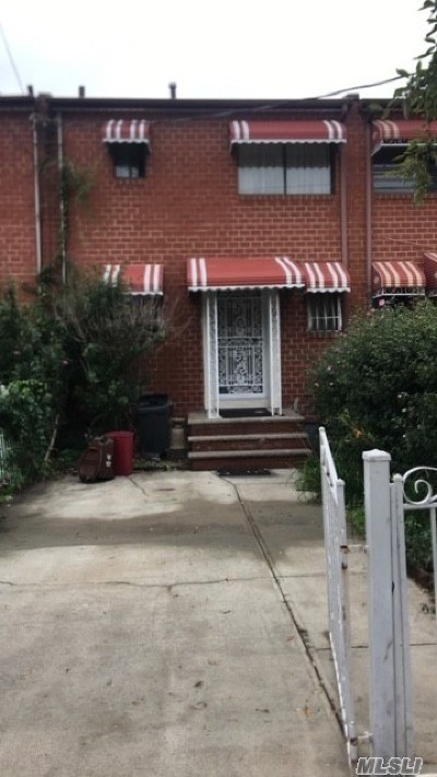 Brooklyn Single Family Home For Sale: 718 Saratoga Ave