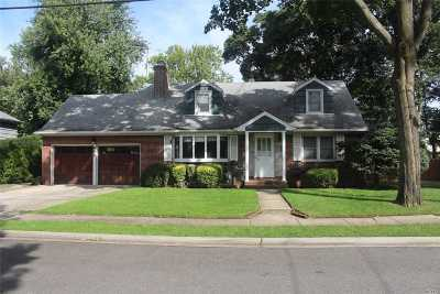 W. Hempstead Single Family Home For Sale: 441 Linden St