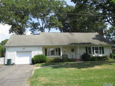 Patchogue Single Family Home For Sale: 51 Shore Rd