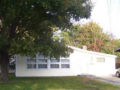 Lindenhurst Single Family Home For Sale: 150 Linton Ave