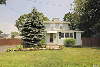 Bay Shore Single Family Home For Sale: 55 Redmond Ave