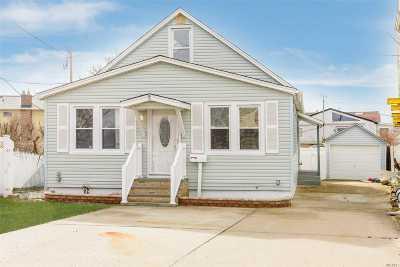 Lindenhurst Single Family Home For Sale: 21 Shore Rd