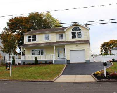 W. Babylon Single Family Home For Sale: 21 S Oregon Rd