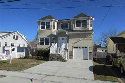 Freeport Single Family Home For Sale: 375 Roosevelt Ave