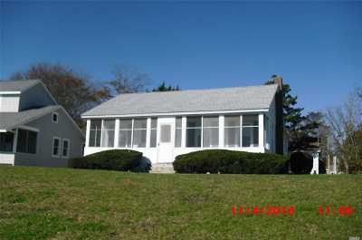 Jamesport Single Family Home For Sale: 1396 Peconic Bay Blvd