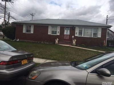 Uniondale Single Family Home For Sale: 1025 Fayette St