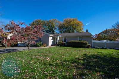 S. Setauket Single Family Home For Sale: 15 Oneida