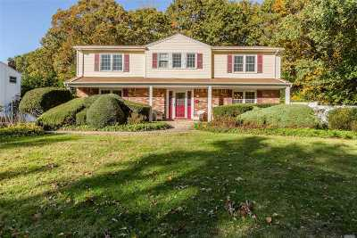 Smithtown Single Family Home For Sale: 65 Derby Pl