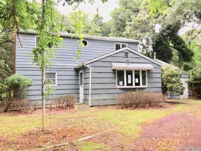 East Hampton Single Family Home For Sale: 30 Lion Head Rock Rd