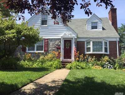 Malverne Single Family Home For Sale: 80 Gates Ave
