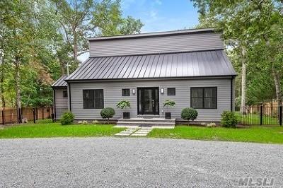 East Hampton Single Family Home For Sale: 32 Manor Ln