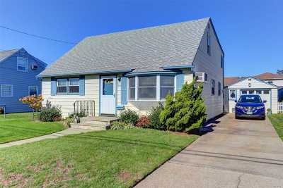 Oceanside Single Family Home For Sale: 382 Moore Ave
