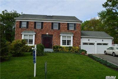 Farmingville Single Family Home For Sale: 46 Oakdale Ave