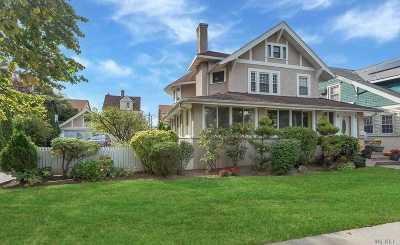 Bayside Single Family Home For Sale: 40-26/28 205th St