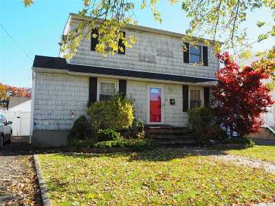 Bethpage Single Family Home For Sale: 26 Cambridge Ave