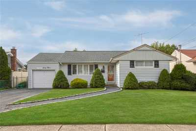 East Meadow Single Family Home For Sale: 1863 Cole Dr
