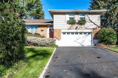 Locust Valley Single Family Home For Sale: 18 Fox Ridge Ln