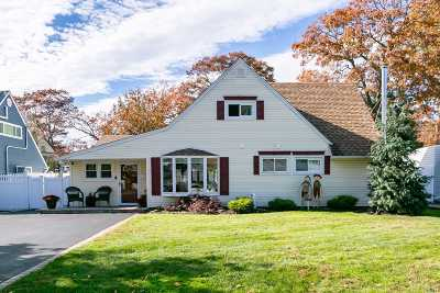 Wantagh Single Family Home For Sale: 155 Twin Ln
