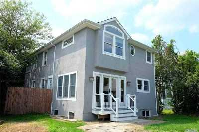 Oyster Bay Single Family Home For Sale: 915 Oyster Bay Rd