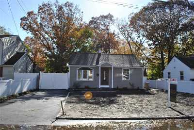 Central Islip  Single Family Home For Sale: 61 E. Halley Ln