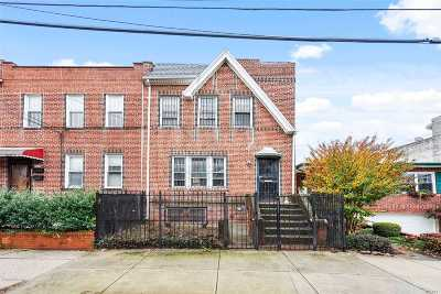 Maspeth Single Family Home For Sale: 60-32 60th Dr