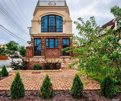 Brooklyn Single Family Home For Sale: 1624 Shore Blvd