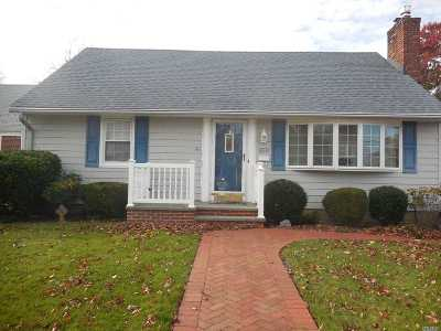 Wantagh Single Family Home For Sale: 2070 Pine St