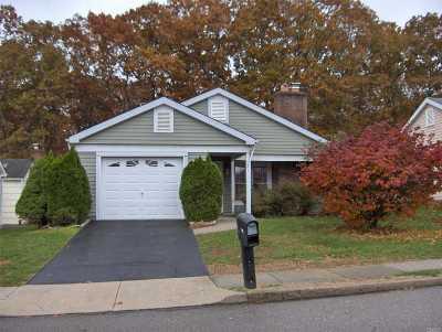 Ridge Condo/Townhouse For Sale: 521 Cranston Ln