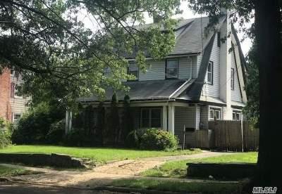 Nassau County Single Family Home For Sale: 100 E Graham Ave