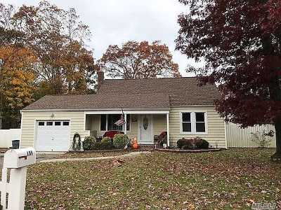 East Islip Single Family Home For Sale: 189 Jefferson St