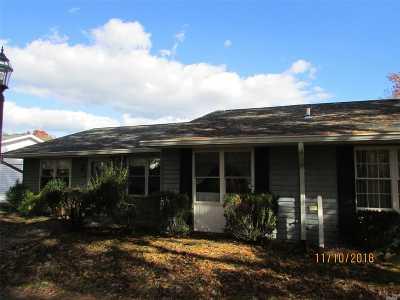 Ridge Condo/Townhouse For Sale: 433 Falmouth Ct #A