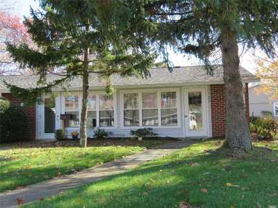 Ridge Condo/Townhouse For Sale: 32 Trent Ct #D