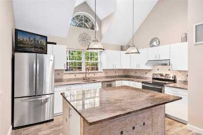 East Hampton Single Family Home For Sale: 32 Cordwood Ln