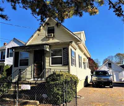 Wyandanch Single Family Home For Sale: 61 S 25th St