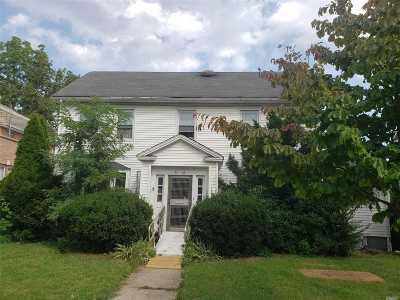 Flushing Single Family Home For Sale: 35-49 167 St
