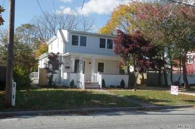 Patchogue Single Family Home For Sale: 58 Case Ave