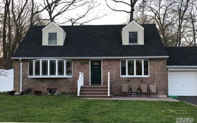 Huntington Sta NY Rental For Rent: $1,700