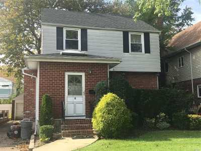 Fresh Meadows Single Family Home For Sale: 65-32 182nd St