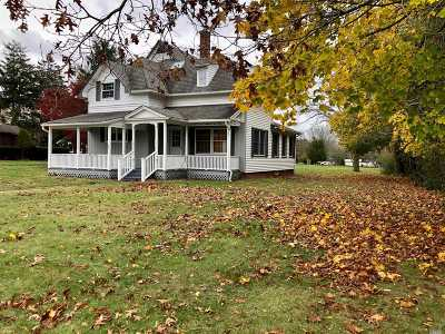 East Moriches Rental For Rent: 36 Woodlawn Ave