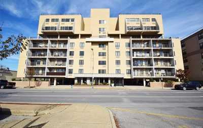Long Beach NY Condo/Townhouse For Sale: $598,000
