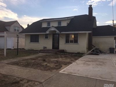 Freeport Single Family Home For Sale: 298 S Bedell St